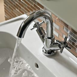 https://www.homeritebathrooms.co.uk/content/images/thumbs/0008169_bristan-decade-basin-mixer-with-clicker-waste.jpeg