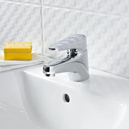 https://www.homeritebathrooms.co.uk/content/images/thumbs/0008450_bristan-jute-basin-mixer-without-waste.jpeg