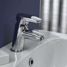 https://www.homeritebathrooms.co.uk/content/images/thumbs/0008484_bristan-orta-basin-mixer-with-clicker-waste.jpeg