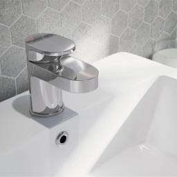 https://www.homeritebathrooms.co.uk/content/images/thumbs/0008193_bristan-frenzy-basin-mixer-with-clicker-waste.jpeg