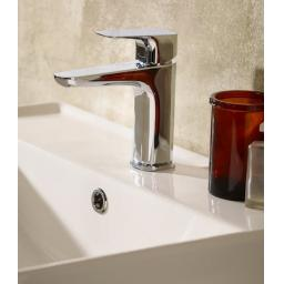 https://www.homeritebathrooms.co.uk/content/images/thumbs/0005190_tavistock-signal-basin-mixer-with-click-waste.jpeg