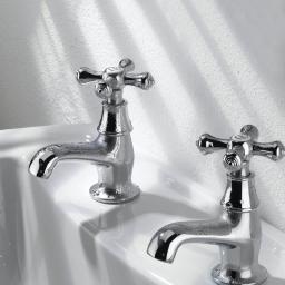 https://www.homeritebathrooms.co.uk/content/images/thumbs/0008142_bristan-colonial-basin-taps.jpeg