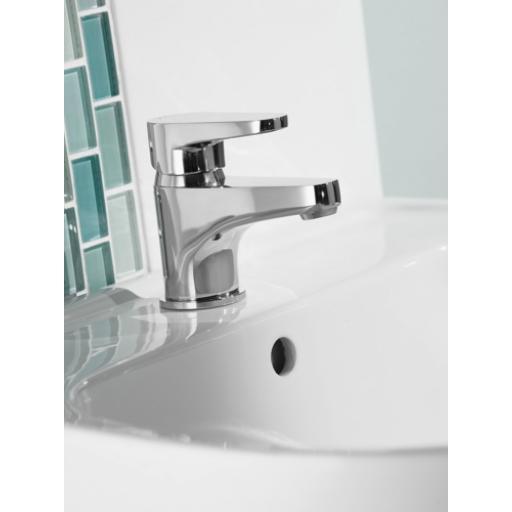 https://www.homeritebathrooms.co.uk/content/images/thumbs/0005098_bristan-quest-basin-mixer.png