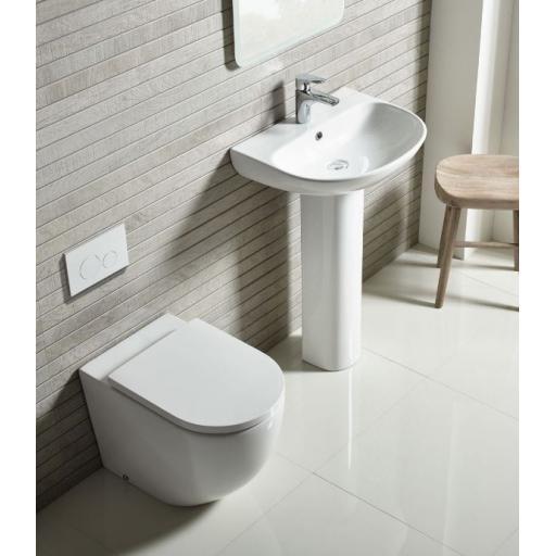https://www.homeritebathrooms.co.uk/content/images/thumbs/0005278_tavistock-orbit-back-to-wall-wc-soft-close-seat.jpeg