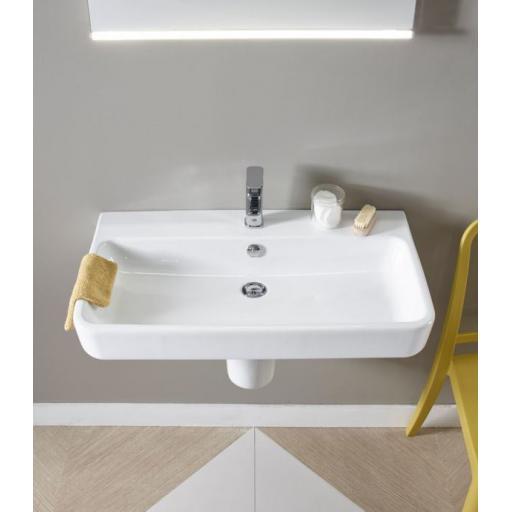 https://www.homeritebathrooms.co.uk/content/images/thumbs/0005938_tavistock-agenda-700mm-ceramic-basin.jpeg