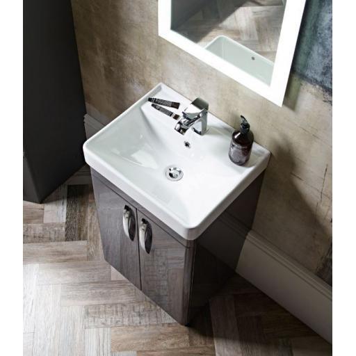 https://www.homeritebathrooms.co.uk/content/images/thumbs/0005681_tavistock-compass-600mm-freestanding-unit.jpeg