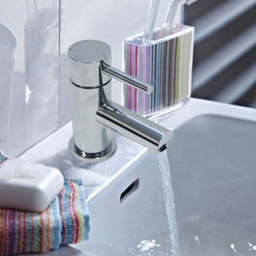 https://www.homeritebathrooms.co.uk/content/images/thumbs/0007762_bristan-basin-mixer-with-clicker-waste.jpeg
